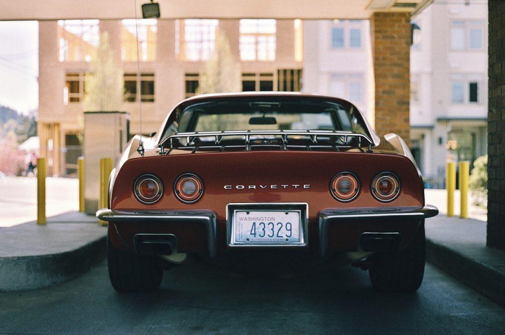 Køb reservedele til Corvette i USA uden toldproblemer