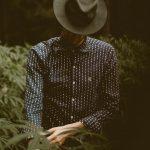 Shop tøj og skjorter online i USA og få fragtet til Danmark