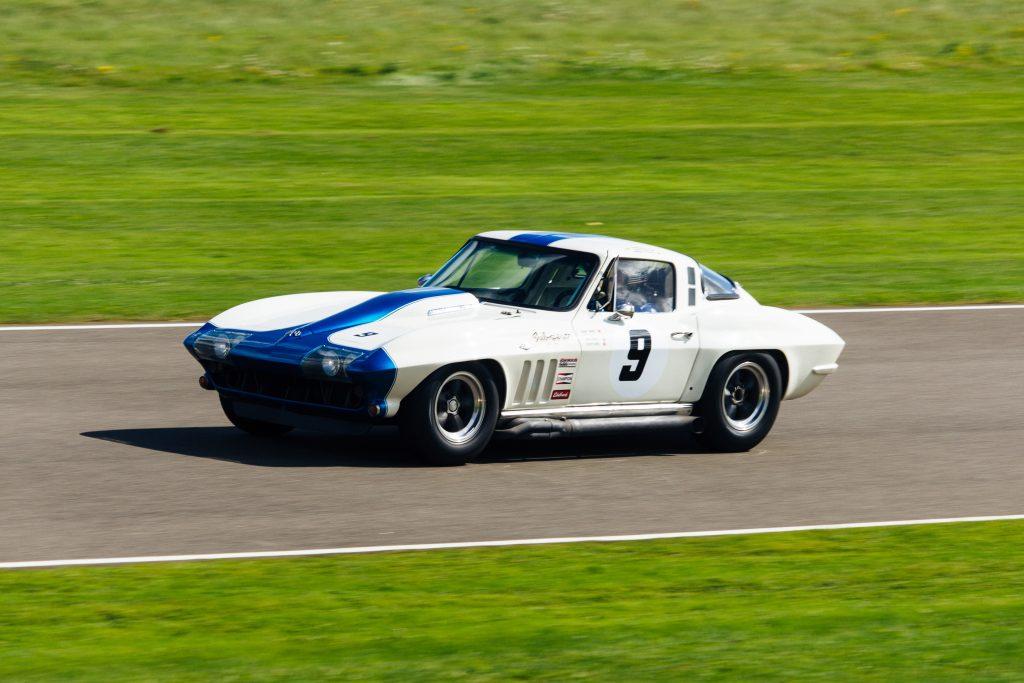 Köp Corvette reservdelar i USA