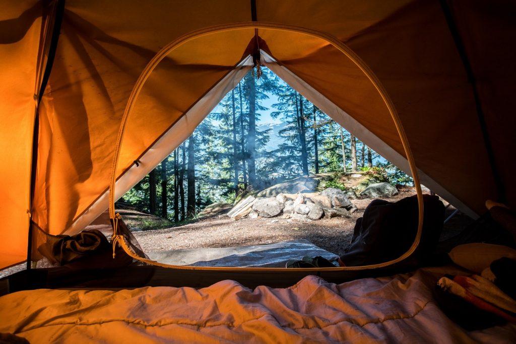 Camping och campingutrustning - för musikfestival och friluftslivet